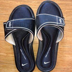 Nike black comfy slides